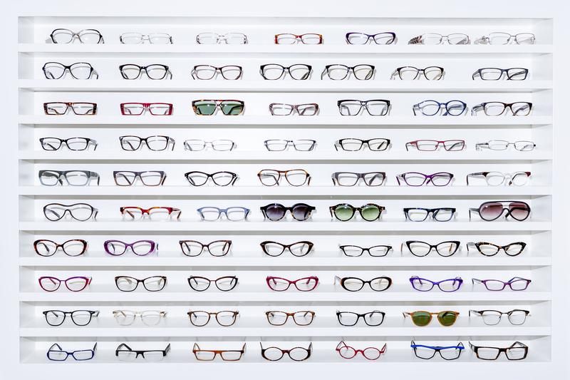 5 zaručených spôsobov, ako si vybrať okuliare, aby vám sedeli