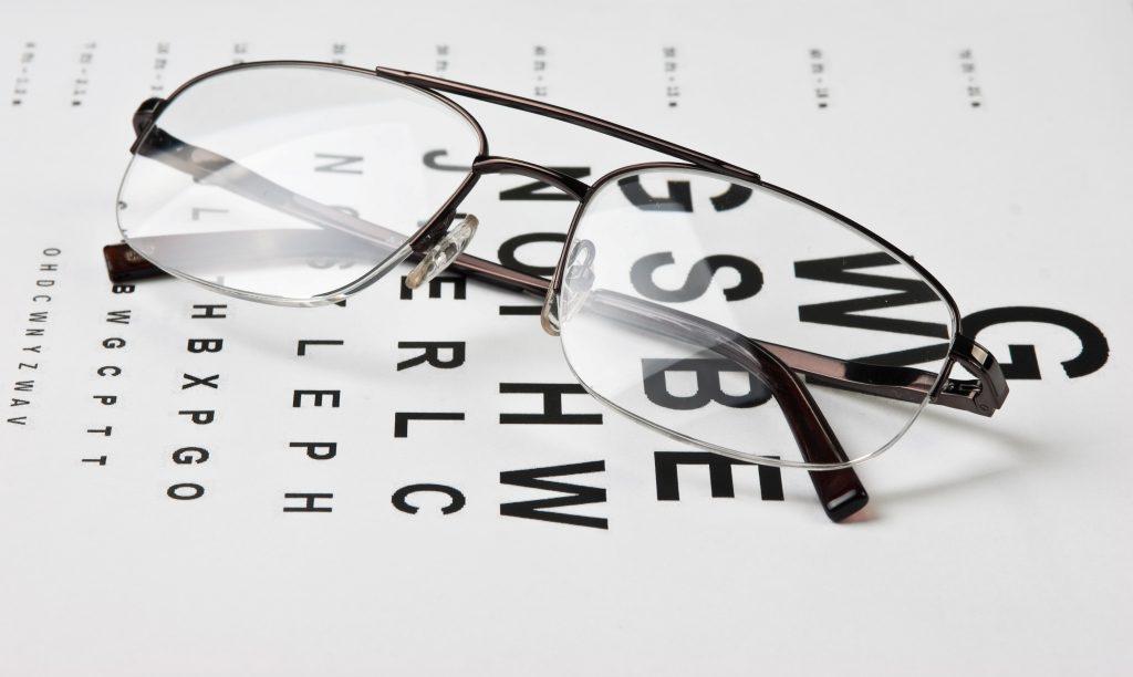 Lacné okuliare zo supermarketu sa vám môžu vo výsledku nemilo predražiť